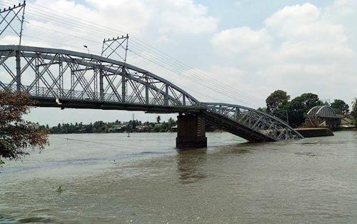 cầu gềnh bị sập